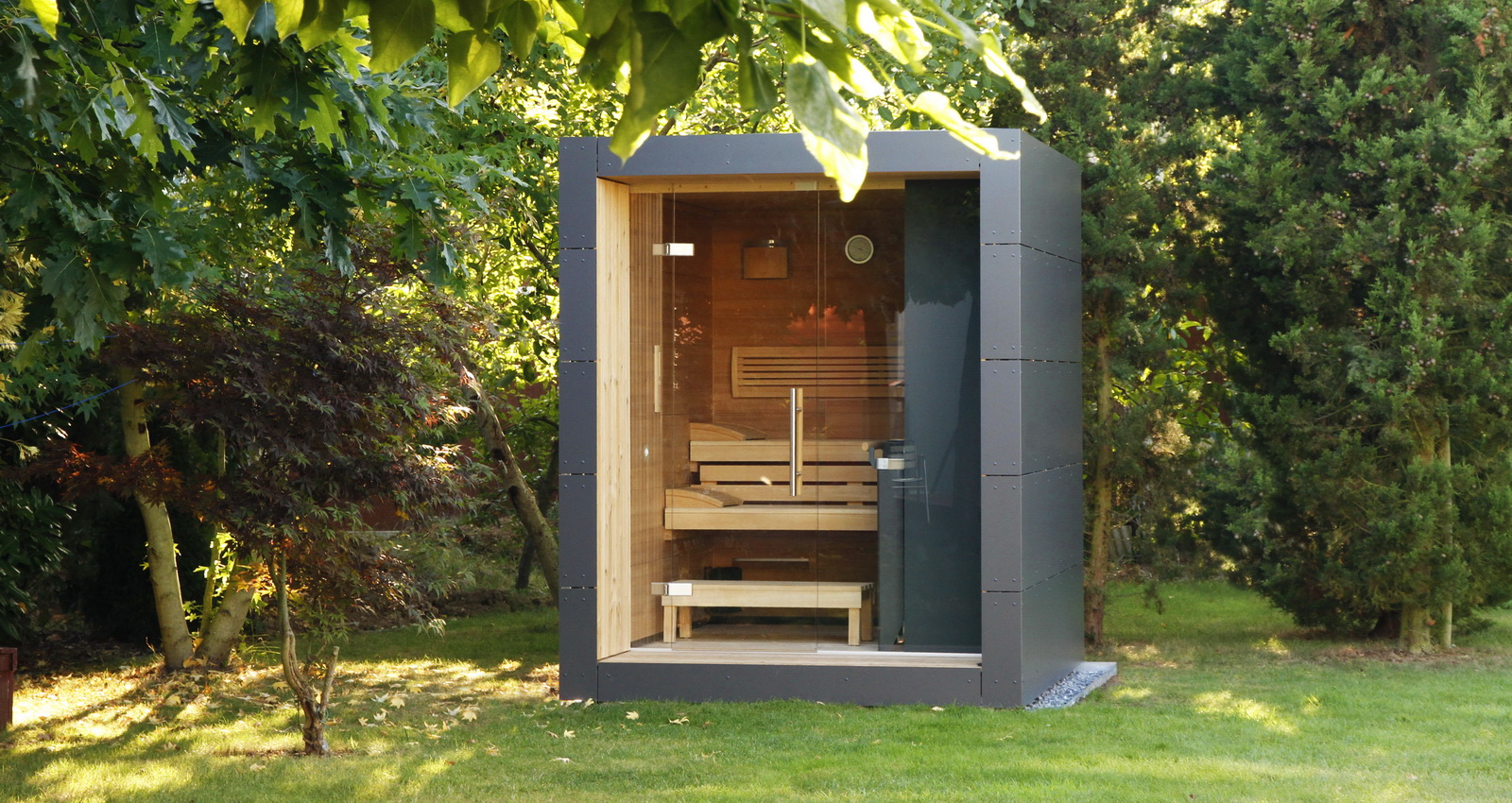 moderne design gartensauna schicke gartensauna. Black Bedroom Furniture Sets. Home Design Ideas